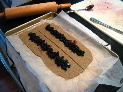 DIY-blueberry-cereal-bars-8