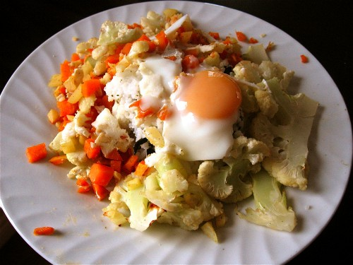 poached-egg-on-roasted-cauliflower-carrot-hash